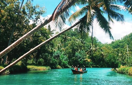 Wisata Susur Sungai di Kali Cokel Pacitan